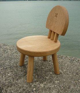 まぁ〜るいナラの子供椅子