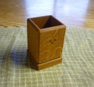 木のペンたて 袴付き 木象嵌3つデザイン