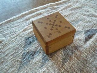 木の宝箱 A