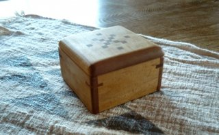 木の宝箱 B