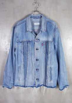 <img class='new_mark_img1' src='https://img.shop-pro.jp/img/new/icons20.gif' style='border:none;display:inline;margin:0px;padding:0px;width:auto;' />LEVI'S<br>ALTERED TRUCKER JACKET<br>[中古S]