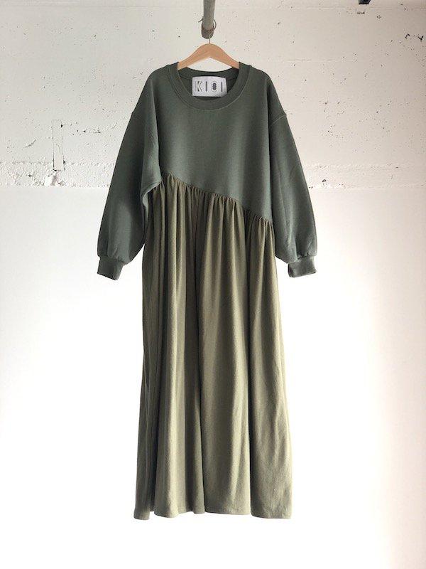KICI Bias Sweat Dress  / バイアス スウェットワンピース  (Kahki)