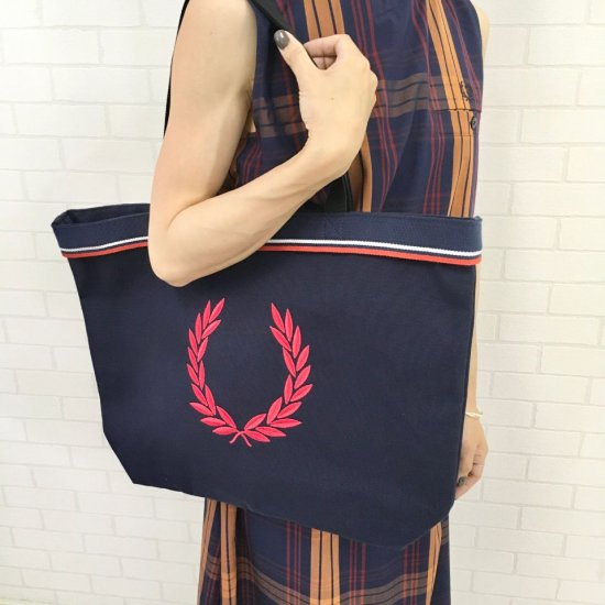 FRED PERRY - TWIN TIPPED TOTE BAG(F25001)