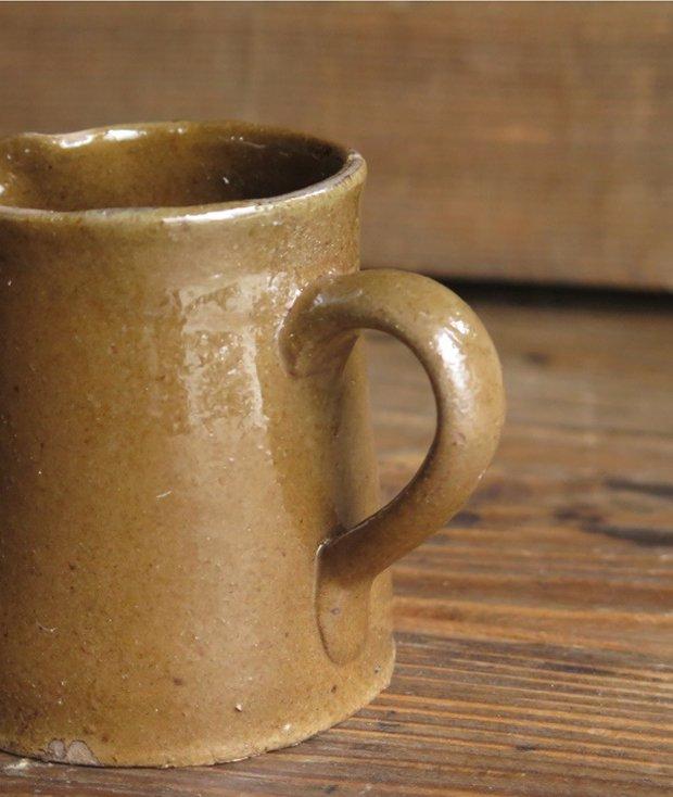 陶器のカップ [LY]