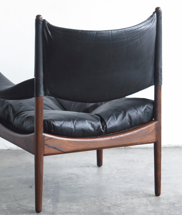 Leather sofa / Kristian Solmer Vedel[DY]