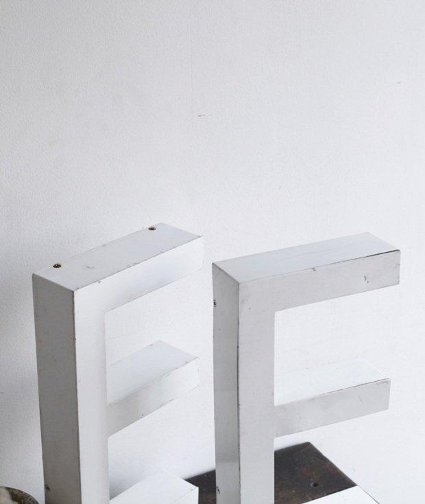 メタルサイン 【 E 】[LY]
