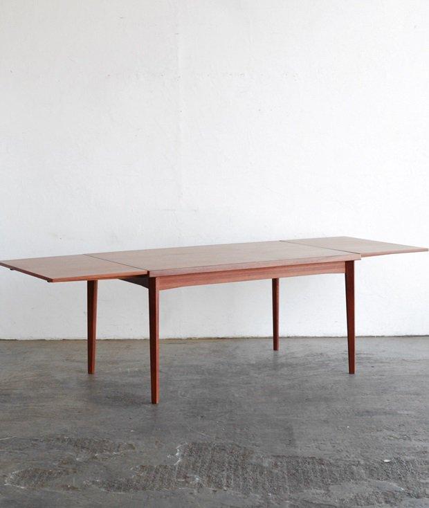 draw leaf table / Henning Kjaernulf[AY]
