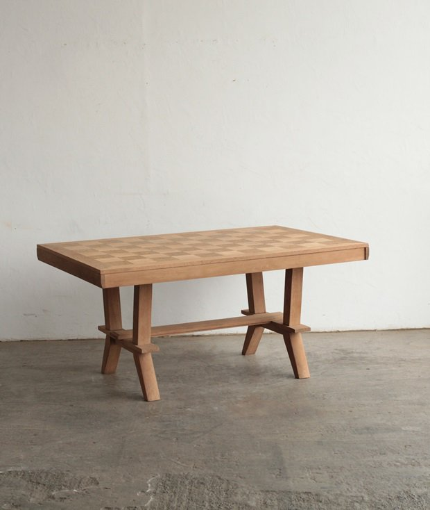 dining table / Charles Dudouyt[LY]