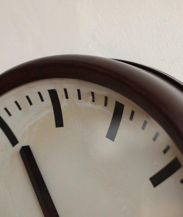 Pragotron 掛時計