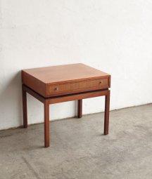 サイドテーブル[LY]