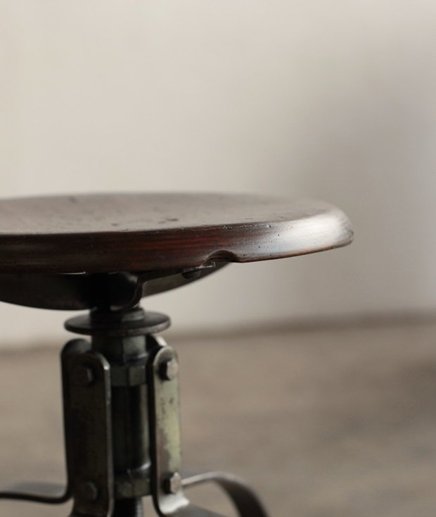 Bienaise stool[LY]