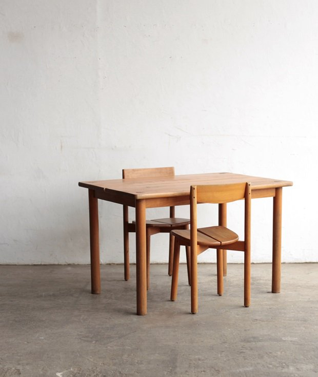 table / Pierre Gautier-Delaye[LY]