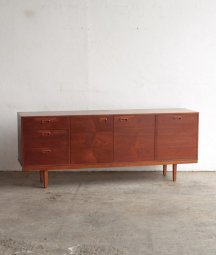 sideboard / Avalon yatton[LY]