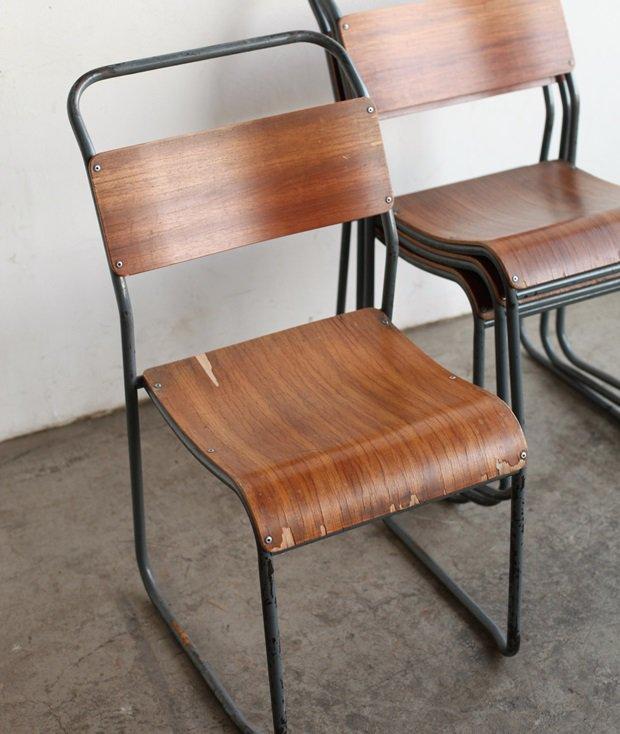 school chair[LY]