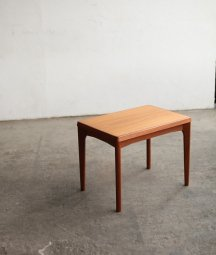 side table / Henning Kjaernulf[LY]
