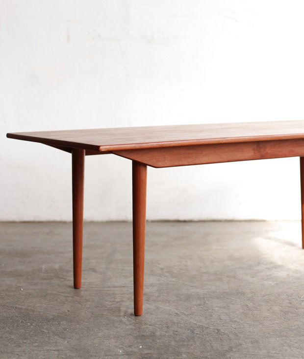 coffee table [LY]