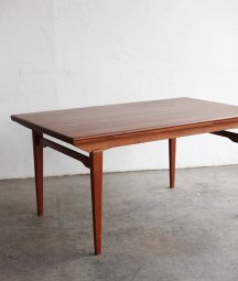 draw leaf table  / Aerthoj Jensen & Molholm Herning[LY]