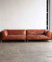 leather sofa / Gerard van den Berg[AY]