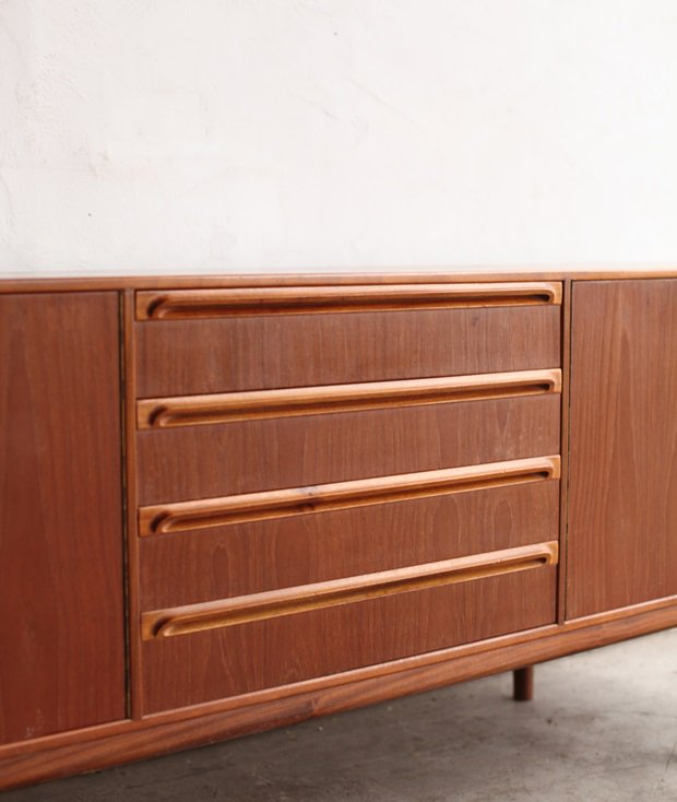 sideboard / McINTOSH[AY]