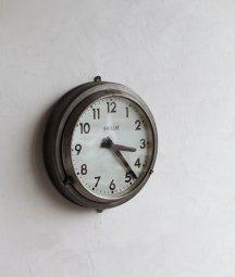 Brille 掛時計