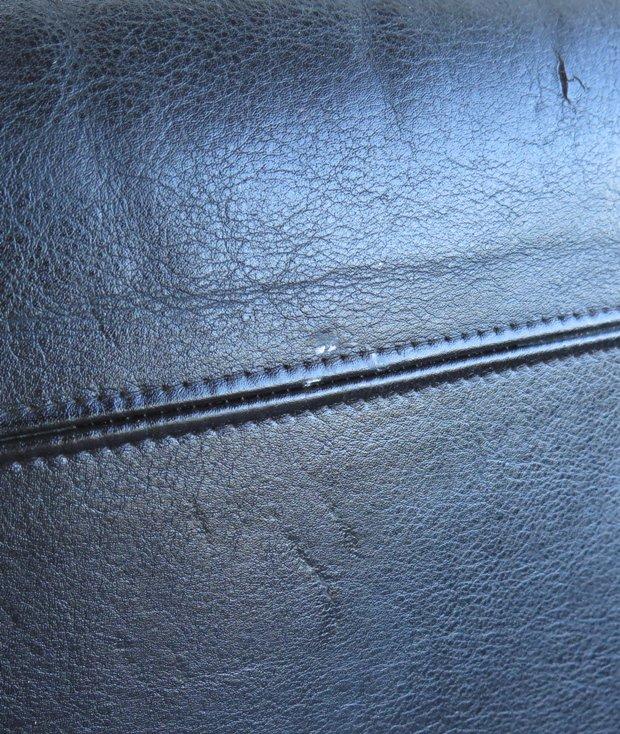 2P leather Sofa