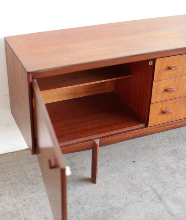 Sideboard / white & newton [AY]