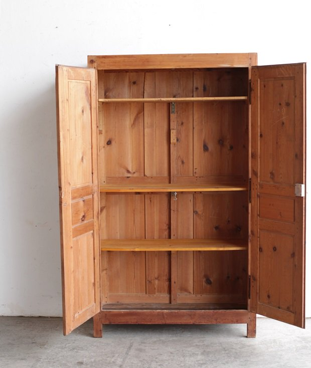 solid pine cabinet[LY]
