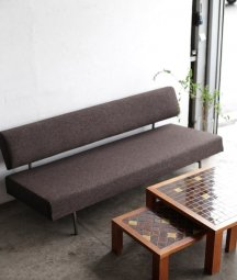 Daybed sofa / Rob Parry[AY]
