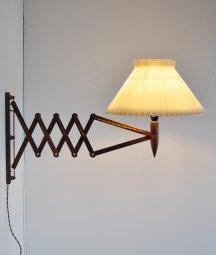 wood scissor lamp / LYFA[DY]