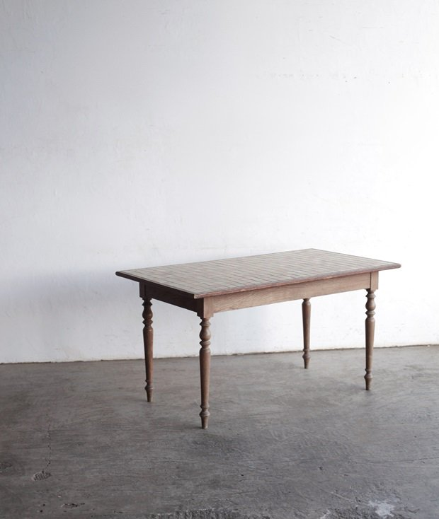 tile top table[AY]