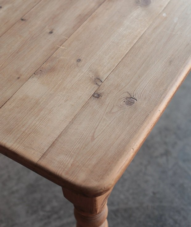 solid pine table[AY]