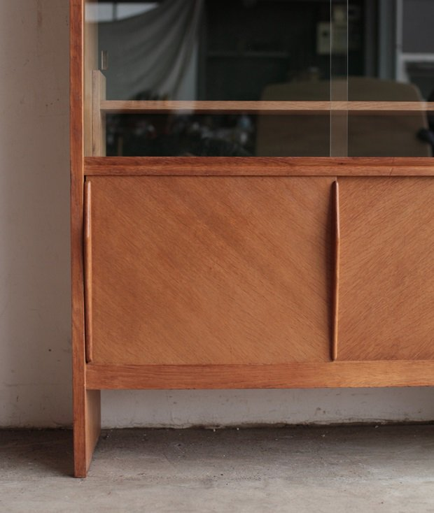 glass cabinet[AY]