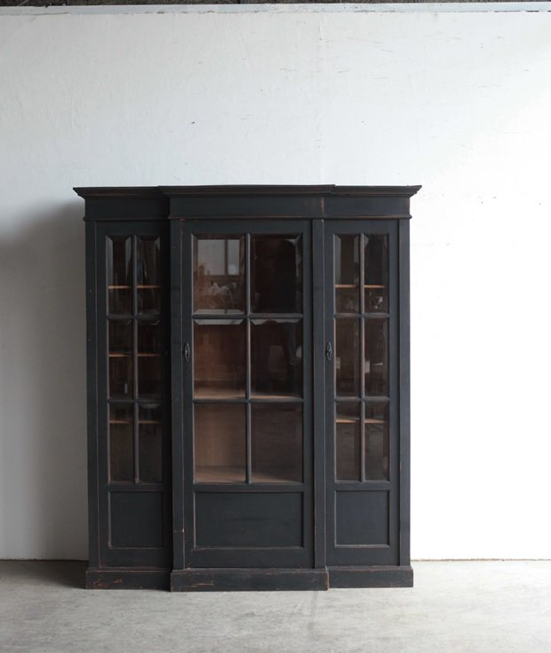glass cabinet[AC]