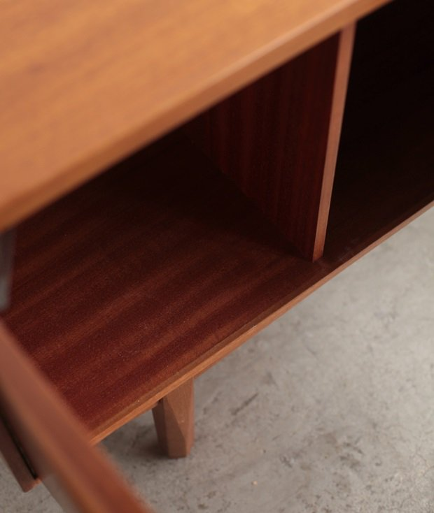 Sideboard / William Laulence[LY]