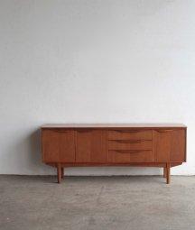 Sideboard / William Laulence[LY]