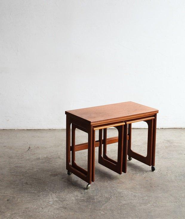 nest table / McINTOSH[LY]