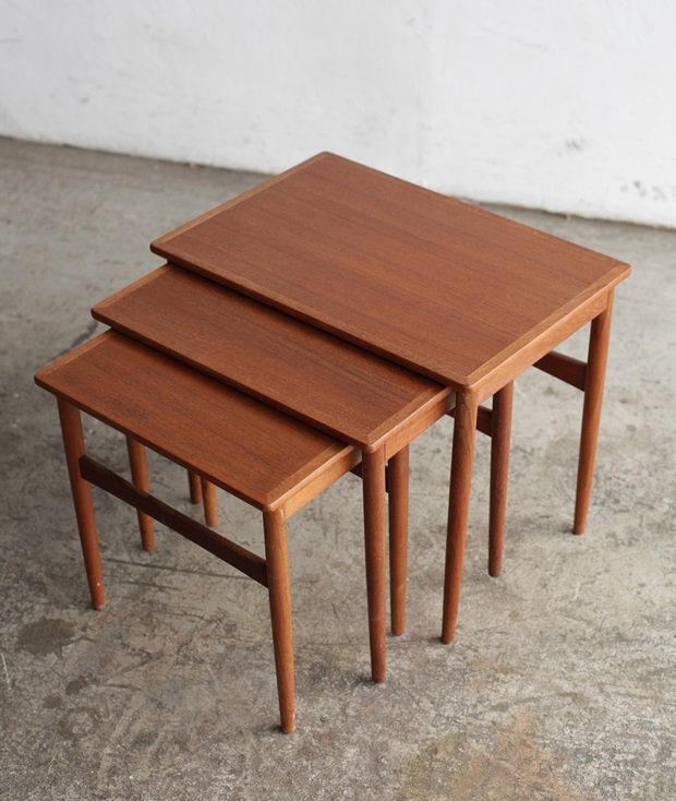 nest table / BR gelsted[LY]