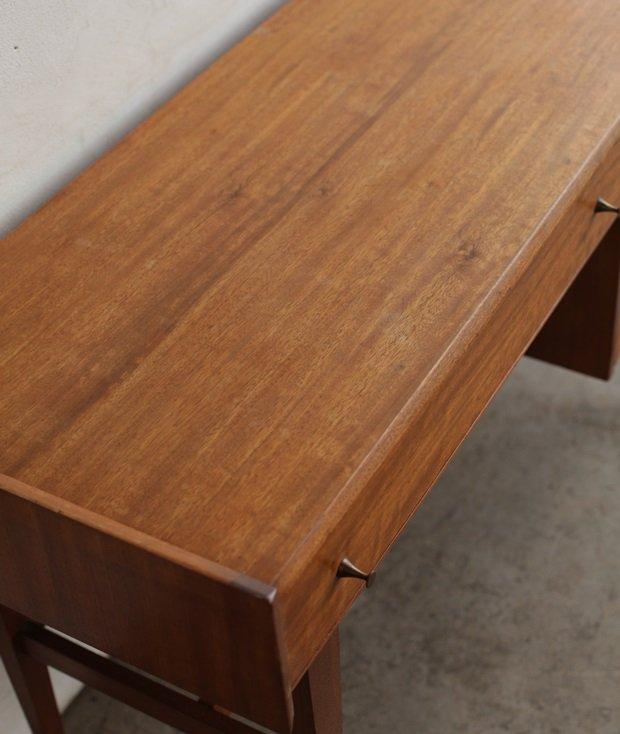 desk[DY]