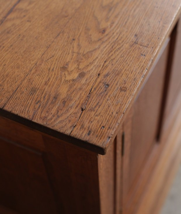 Solid oak sideboard[AY]