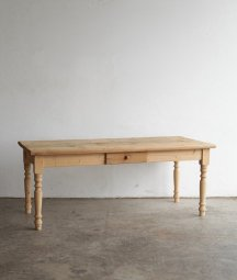 <img class='new_mark_img1' src='https://img.shop-pro.jp/img/new/icons23.gif' style='border:none;display:inline;margin:0px;padding:0px;width:auto;' />solid pine table
