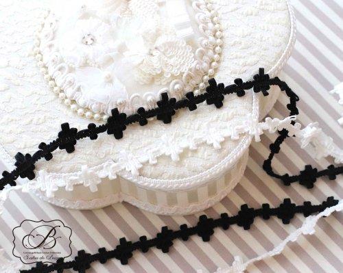 シンプル フラワーブレード ホワイト/ブラック