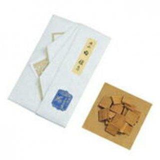 玉初堂の香木 老山 白檀 角割 7.5g たとう紙包み