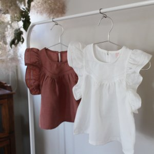 <img class='new_mark_img1' src='https://img.shop-pro.jp/img/new/icons20.gif' style='border:none;display:inline;margin:0px;padding:0px;width:auto;' />【30%off】 frill sleeve blouse