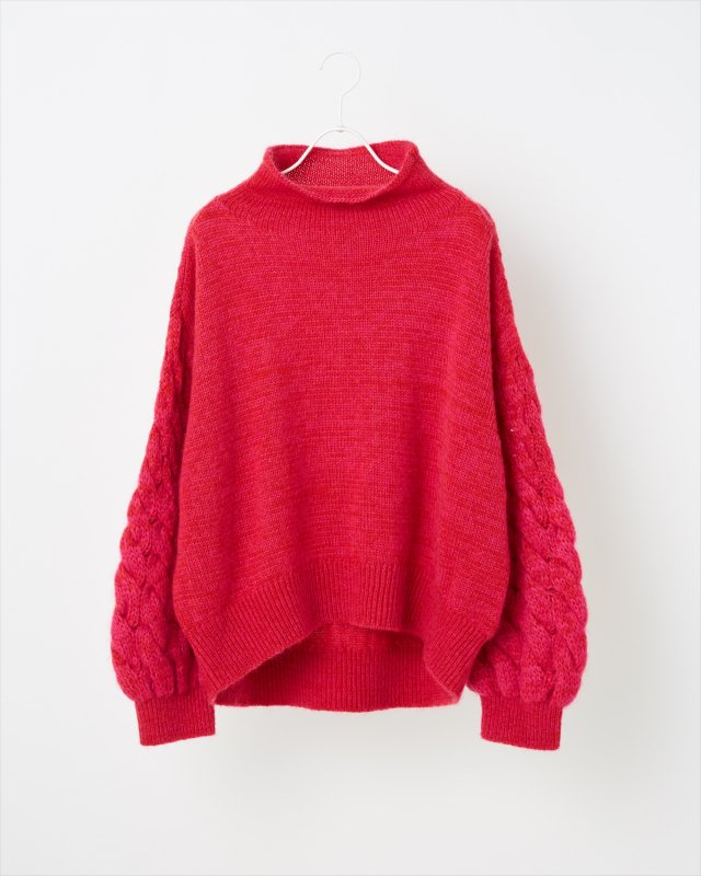 MOHAIR CABLE KNIT PULLOVER