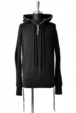 <img class='new_mark_img1' src='//img.shop-pro.jp/img/new/icons8.gif' style='border:none;display:inline;margin:0px;padding:0px;width:auto;' />Fagassent - Round Zip big hooded parka in long sleeve-
