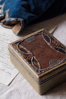 木と金属こそ勇姿-wood box