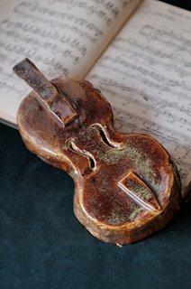 飴色ヴァイオリン-pottery violin objet