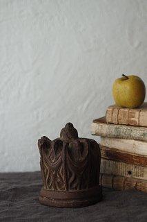 朽ちて尚、木彫の冠-antique wood carving objet