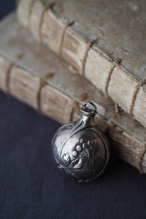 ユーゲント=シュティール 流れる繋がる-antique silver bell