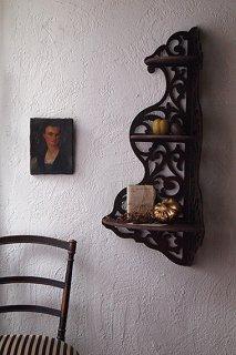 唐草放つコーナーシェルフ-antique corner shelf